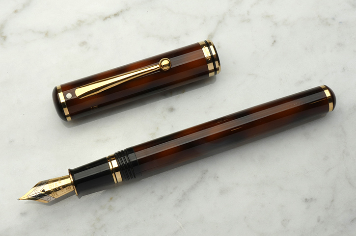 Renting Sheaffer Connassieur fountain pen